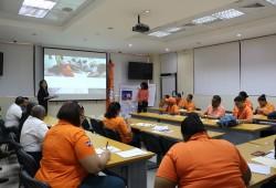 Personal de la Defensa Civil se capacita en gestión de riesgos a nivel comunitario