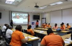 Personal de la Defensa Civil se capacita en gestión de riesgos a...