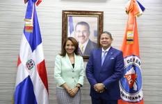 Viceministra Zoraima Cuello visita instalaciones Defensa Civil