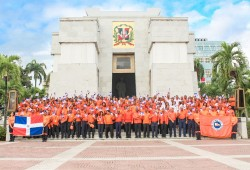 Defensa Civil deposita ofrenda floral con motivo al 174 Aniversario de la Independencia Nacional