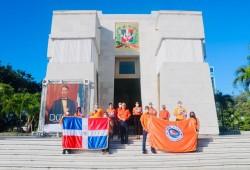 Defensa Civil deposita ofrenda floral con motivo al 177 aniversario de la Independencia Nacional