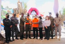 Presidencia  entrega camioneta, motocicletas y herramientas de rescate a la Defensa Civil de La Ciénaga y Los Guandules, para la Temporada Ciclónica 2021