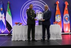 Defensa Civil entrega certificación al MIREX por conformar Brigada de Respuesta