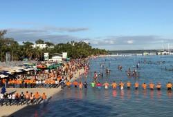Defensa Civil realiza evacuaciones de bañistas en las playas