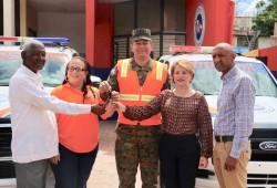 Presidencia de la República entrega camioneta y motocicleta a la dirección provincial de la Defensa Civil en San Juan