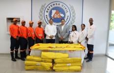 Presidencia dona camillas de rápida evacuación a la Defensa Civil