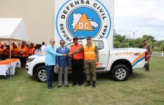 Presidencia de la República entrega camioneta y equipos de rescate...