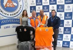 """Defensa Civil recibe donativo de 600 t-shirts para ser utilizados en operativo """"Semana Santa 2019, Un Pacto por la Vida"""""""