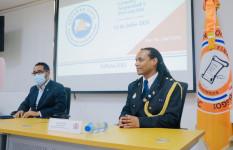 "Representante Embajada Holanda imparte charla ""Género, Seguridad..."