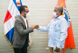 Director Salas recibe visita del diputado ante el PARLACEN, José Alfonseca Suncar